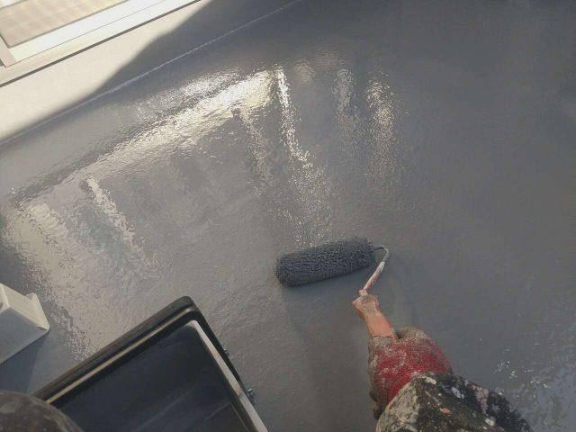 ベランダ防水 中塗り上塗り