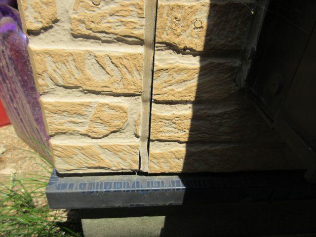 所沢市東所沢 屋根カバー、外壁塗装 外壁コーキングの劣化 (1)