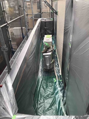 狭山市広瀬 屋根カバー工事 外壁塗装 養生作業