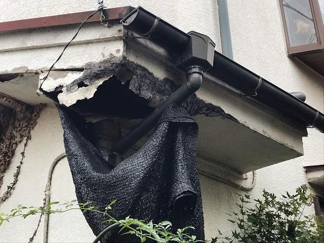 狭山市で軒天修理を着工