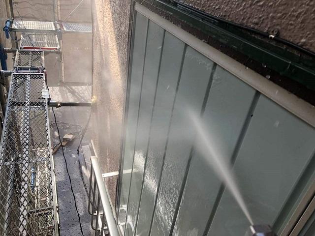 外壁塗装 洗浄作業