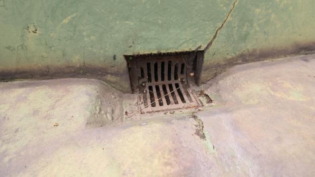 ベランダ 雨漏り 原因 排水口