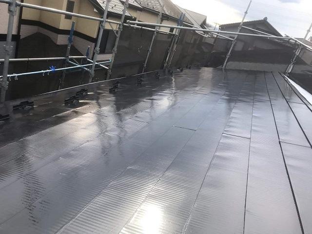 所沢市 松郷 屋根塗装 フッ素樹脂塗料 中塗り