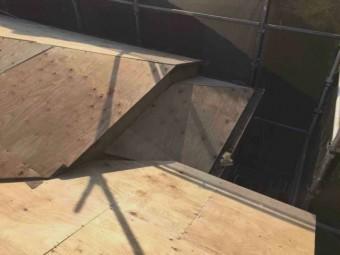 東京都東大和市 屋根葺き替え、外壁塗装工事 野地板、防水ルーフィングシート施工 (2)