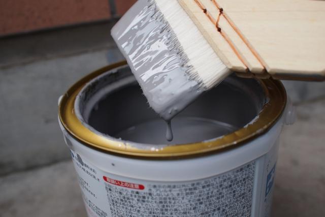 外壁塗装 溶剤と水性の違い