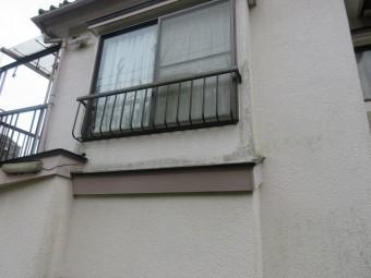 東京都東大和市 屋根葺き替え、外壁塗装工事 現地調査 外壁の苔、汚れ
