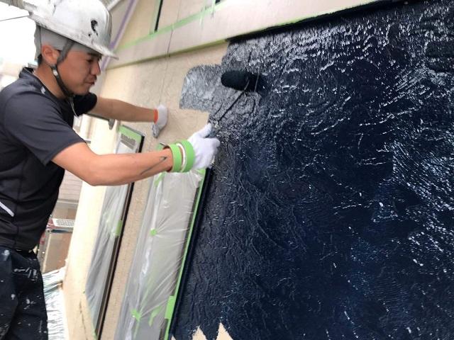 狭山市広瀬 屋根・外壁塗装 ツートンカラー 2階部分 中塗り