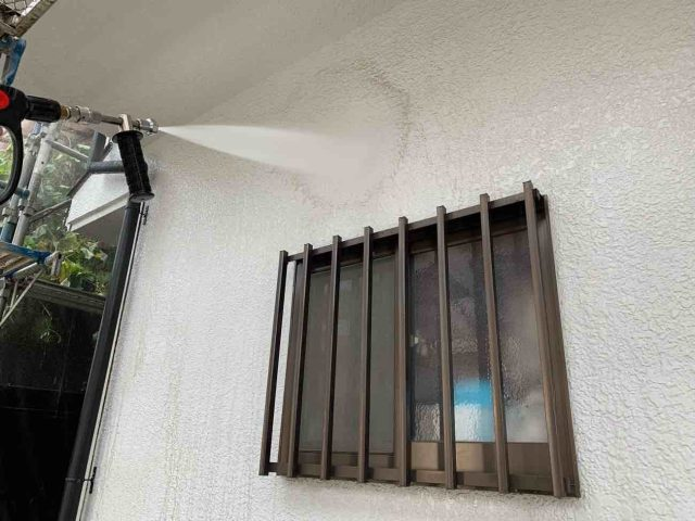所沢市西狭山ケ丘 外壁塗装 洗浄作業 (2)