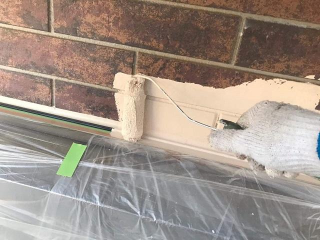 狭山市広瀬 屋根・外壁多彩模様塗装 ベースカラーの塗装