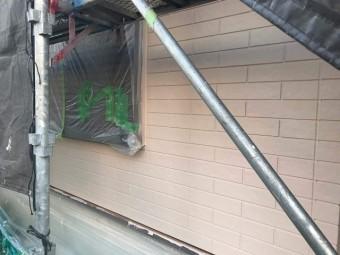 狭山市広瀬 屋根・外壁多彩模様塗装 ベースカラーの塗装2