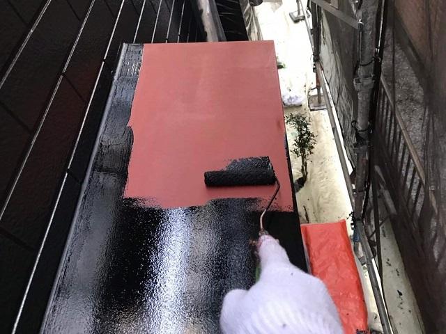 所沢市 東狭山ヶ丘 庇(霧除け)錆止め、塗装作業
