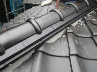 入間市宮寺 和型の瓦屋根から新東「極」へ瓦葺き替え工事 本棟取り銅線