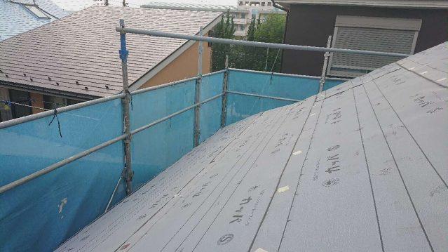 所沢市 東所沢 屋根カバー、外壁塗装工事 防水ルーフィングシート施工1 (3)