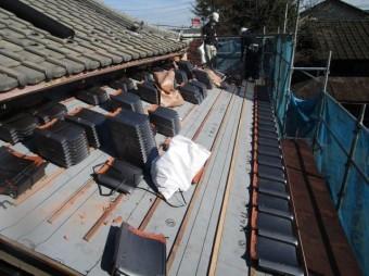 和型瓦屋根葺き替え 瓦段取り
