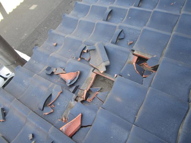 所沢市上新井 台風被害瓦割れ 施工前