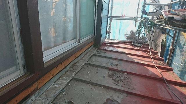 狭山市笹井 屋根カバー、葺き替え工事 外壁塗装 下屋根 瓦棒屋根葺き替え ベランダ脱着