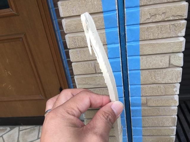 狭山市広瀬 屋根・外壁塗装 コーキング打ち替え作業2