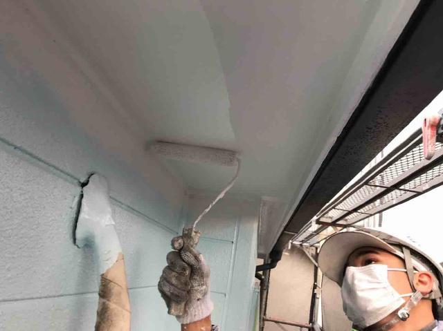 入間市で付帯部の軒天、雨樋などを塗装しメンテナンス