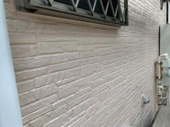 入間市 外壁塗装作業 上塗り (10)