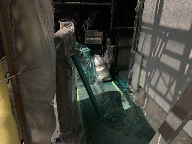所沢市 西狭山ケ丘 屋根葺き替え、外壁塗装工事 養生作業 (3)