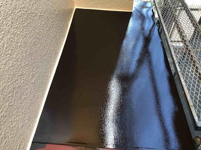 所沢市 西狭山ケ丘 付帯部塗装 霧除け 中塗り、上塗り