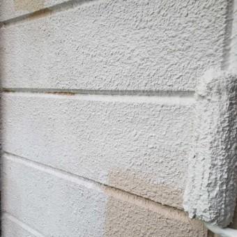 狭山市広瀬台 屋根・外壁塗装 下塗り作業