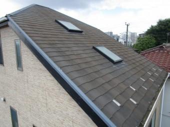 入間市 屋根・外壁塗装 現地調査 スレート屋根の汚れ
