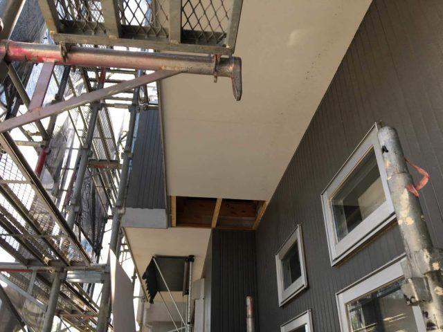 狭山市南入曽 屋根塗装・外壁塗装 軒天補修作業 (2)