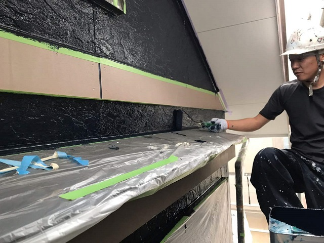 狭山市広瀬 屋根・外壁塗装 ツートンカラー 2階部分 上塗り