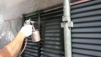 雨戸吹き付け塗装 (1)