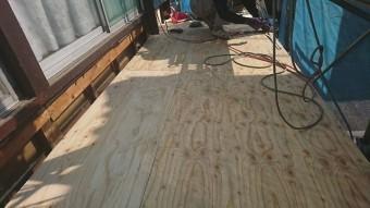 狭山市笹井 屋根カバー、葺き替え工事 外壁塗装 下屋根 瓦棒屋根葺き替え 野地板施工