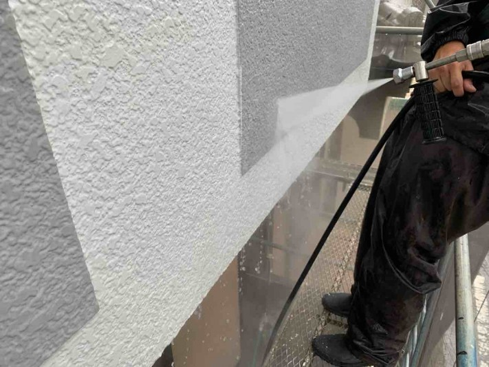 所沢市西狭山ケ丘 屋根葺き替え、外壁塗装工事 洗浄作業 (10)