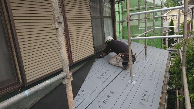 所沢市 若狭 屋根葺替え工事 下葺き(ルーフィングシート施工)作業2