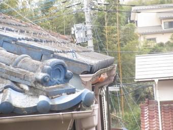 東京都東大和市 屋根葺き替え、外壁塗装工事 現地調査 雨樋の劣化、曲がり