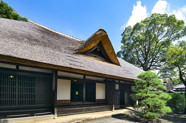 コラム 茅葺屋根 日本家屋