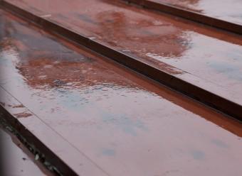 ガルバリウム鋼板の屋根